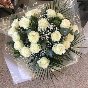 Ivory roses and gypsophila